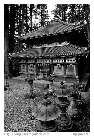 Urns and pavilion. Nikko, Japan (black and white)