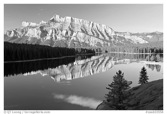Mt Rundle and Two Jack Lake, early morning. Banff National Park, Canadian Rockies, Alberta, Canada (black and white)