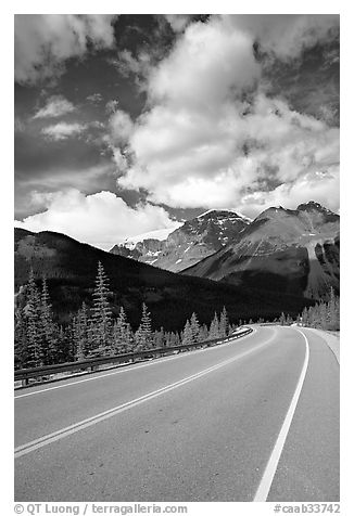Curved Highway, Icefields Parway. Jasper National Park, Canadian Rockies, Alberta, Canada