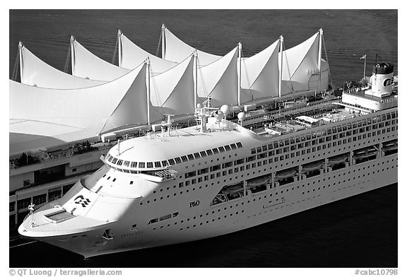 sail-like roof of Canada Place and cruise ship. Vancouver, British Columbia, Canada (black and white)