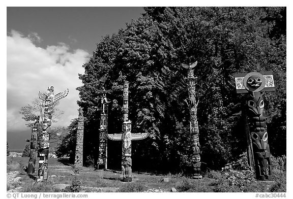 Totems, Stanley Park. Vancouver, British Columbia, Canada (black and white)