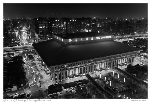 Central station seen from above by night. Taipei, Taiwan (black and white)