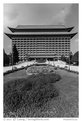 Yuanshan Grand Hotel, in Chinese classical style. Taipei, Taiwan (black and white)
