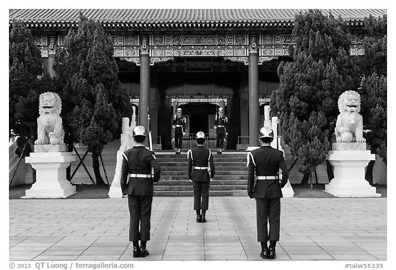 Changing of the guard ceremony, Martyrs Shrine. Taipei, Taiwan (black and white)
