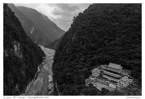 River gorge and temple. Taroko National Park, Taiwan (black and white)