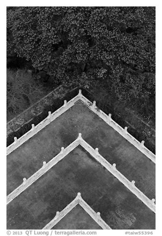 Corner of terraces seen from above, Tsen Pagoda. Sun Moon Lake, Taiwan (black and white)