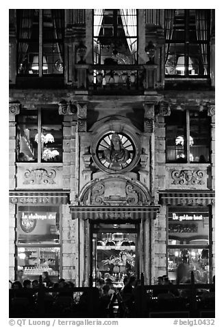 La Chaloupe d'or tavern, former tailors guild house, Grand Place, night. Brussels, Belgium (black and white)