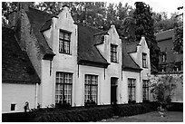 Whitewashed houses in the Begijnhof. Bruges, Belgium ( black and white)