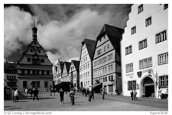 Marktplatz. Rothenburg ob der Tauber, Bavaria, Germany (black and white)