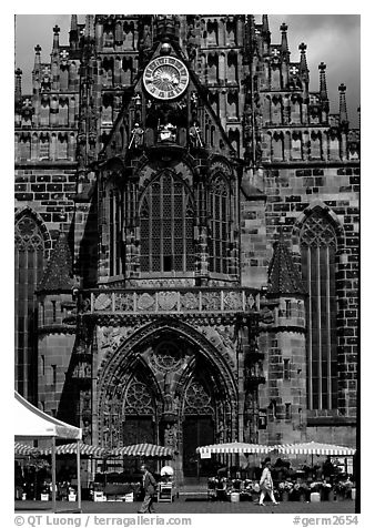 Liebfrauenkirche (church of Our Lady). Nurnberg, Bavaria, Germany (black and white)