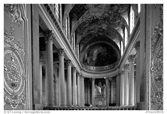 Second floor of the Versailles palace chapel. France (black and white)