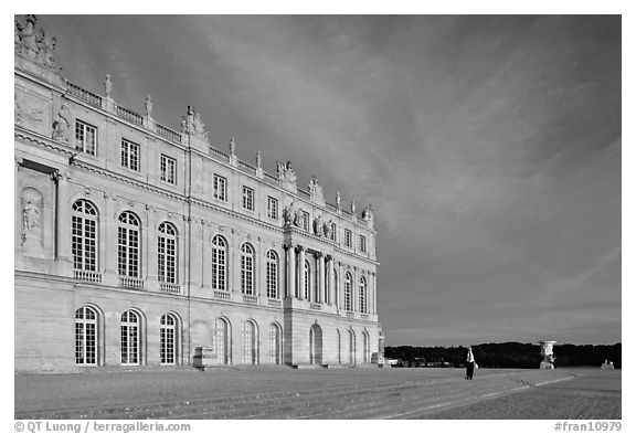 Palais de Versailles, sunset. France (black and white)