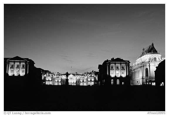 Versailles Palace at night. France (black and white)