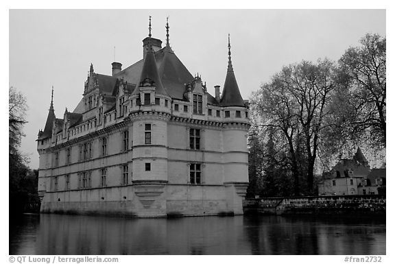 Azay-le-rideau chateau. Loire Valley, France (black and white)