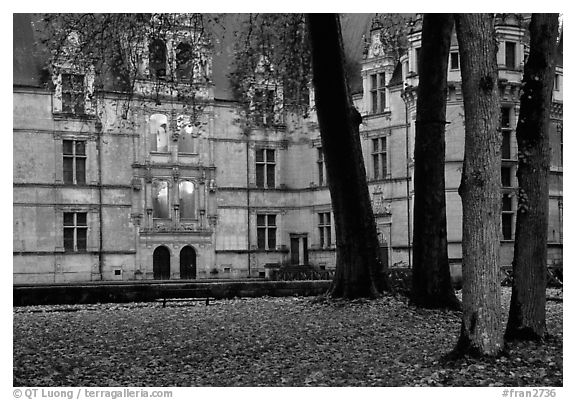 Azay-le-rideau chateau at dusk. Loire Valley, France (black and white)
