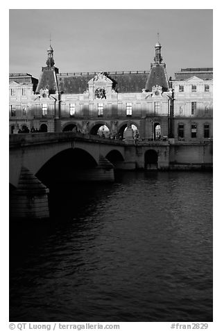 Louvre and Solferino Bridge at sunset. Paris, France (black and white)