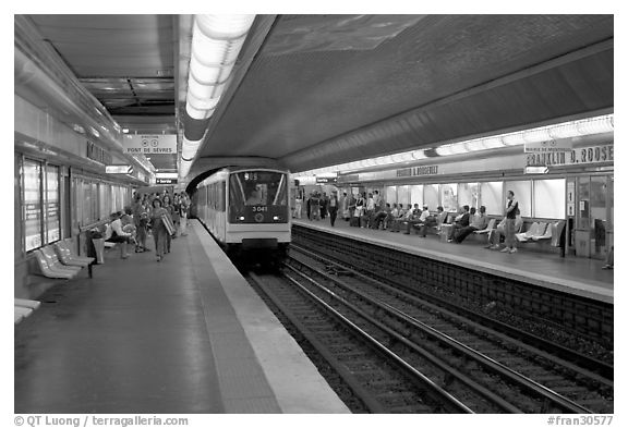 Black And White Picture Photo Franklin Roosevelt Subway