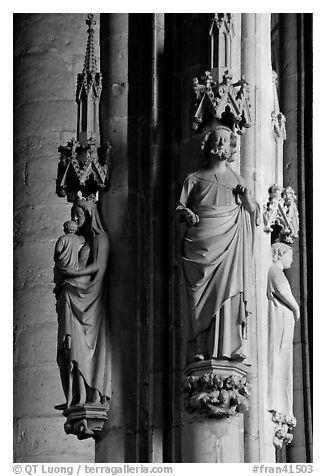 Gothic statues, St-Nazaire basilica. Carcassonne, France (black and white)