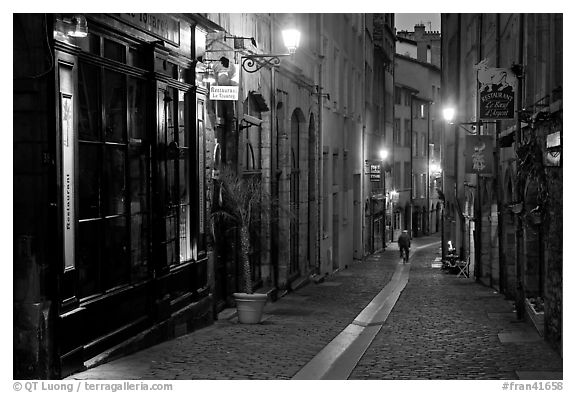 Rue du Boeuf at night. Lyon, France (black and white)