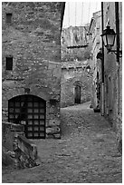 Stone streets and houses, Les Baux-de-Provence. Provence, France ( black and white)