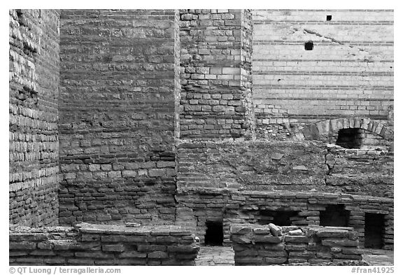 Thermes de Constantin. Arles, Provence, France (black and white)