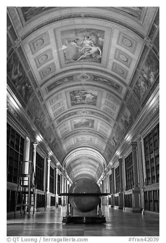 Library, palace of Fontainebleau. France (black and white)