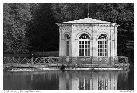 Pavillion and reflection, Palace of Fontainebleau. France (black and white)
