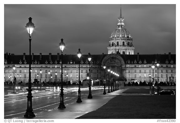 Street lights, Esplanade, and Les Invalides by night. Paris, France (black and white)