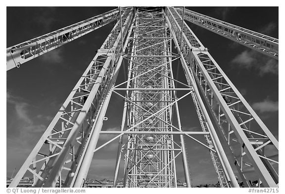Ferris Wheel (grande roue) structure. Paris, France (black and white)