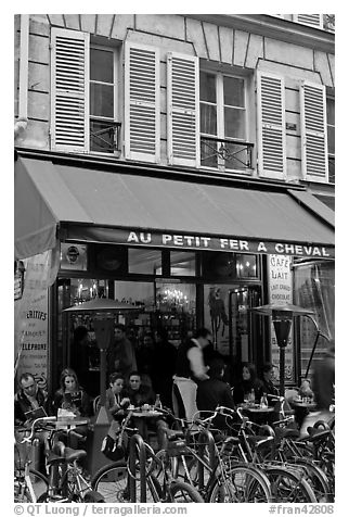 Cafe and bicycles, le Marais. Paris, France (black and white)