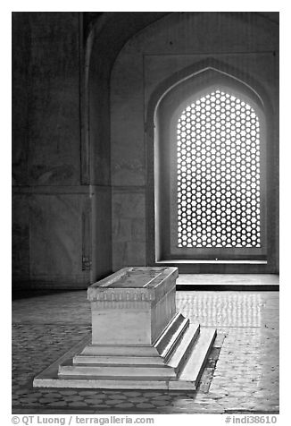 Emperor's tomb, and screened marble window, Humayun's tomb. New Delhi, India (black and white)