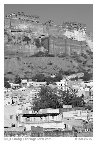 Old town at the base of the Mehrangarh Fort, morning. Jodhpur, Rajasthan, India (black and white)