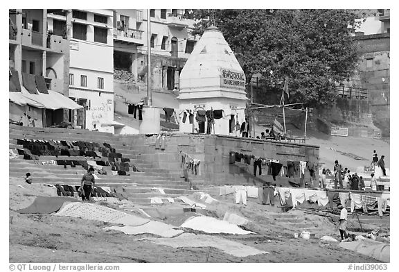 Laundry being dried, Kshameshwar Ghat. Varanasi, Uttar Pradesh, India (black and white)