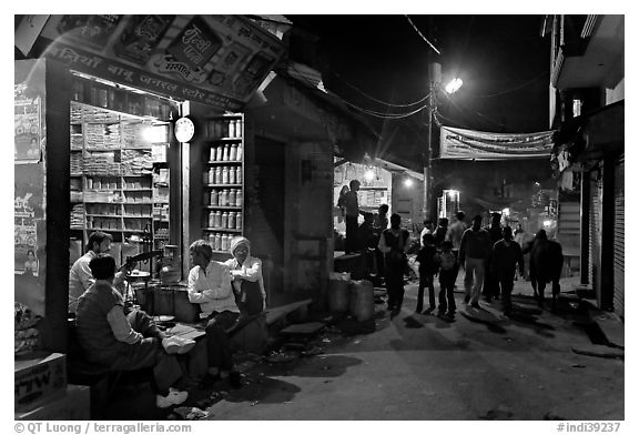 Store and street by night, Taj Ganj. Agra, Uttar Pradesh, India (black and white)