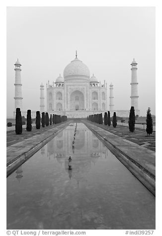 Tomb  reflected in basin, sunrise, Taj Mahal. Agra, Uttar Pradesh, India (black and white)
