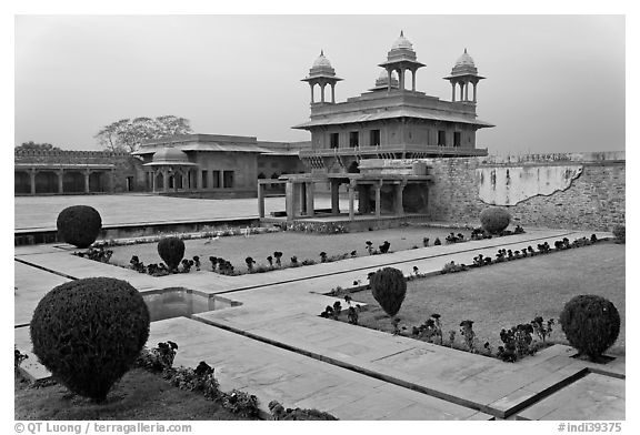 Garden and Pachisi courtyard. Fatehpur Sikri, Uttar Pradesh, India (black and white)