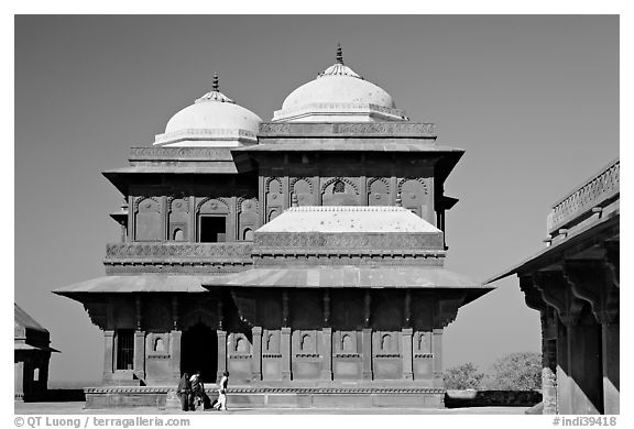 Birbal Bhavan. Fatehpur Sikri, Uttar Pradesh, India (black and white)