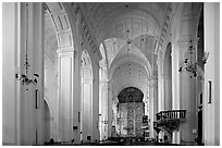 Se Cathedral interior in Corinthian style, Old Goa. Goa, India (black and white)