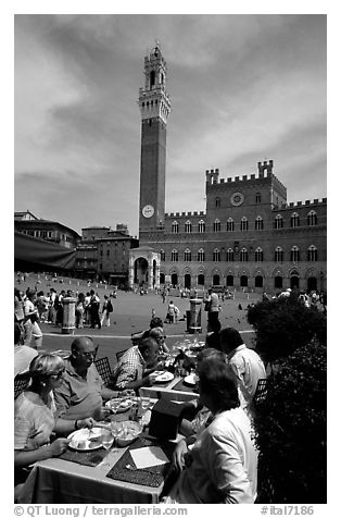 Outdoor dinning on Piazza Del Campo. Siena, Tuscany, Italy (black and white)