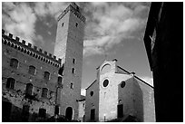Palazzo del Popolo, Torre Grossa, Duomo, early morning. San Gimignano, Tuscany, Italy ( black and white)