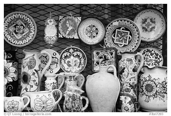Assortment of ceramic pieces for sale. Orvieto, Umbria (black and white)