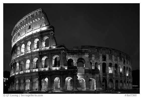 Colosseum, the city greatest amphitheater. Rome, Lazio, Italy (black and white)