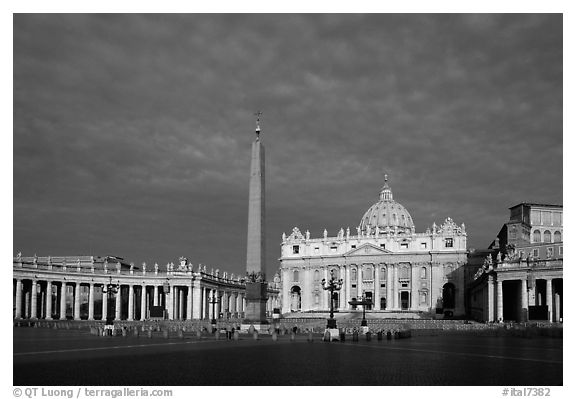 Piazza San Pietro and Basilica San Pietro (Saint Peter), sunrise. Vatican City (black and white)