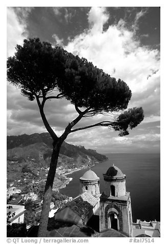 Spectacular view on the Gulf from the terraces of Villa Rufulo, Ravello. Amalfi Coast, Campania, Italy (black and white)