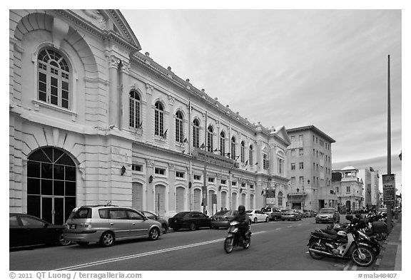 Colonial-style building and street. George Town, Penang, Malaysia (black and white)