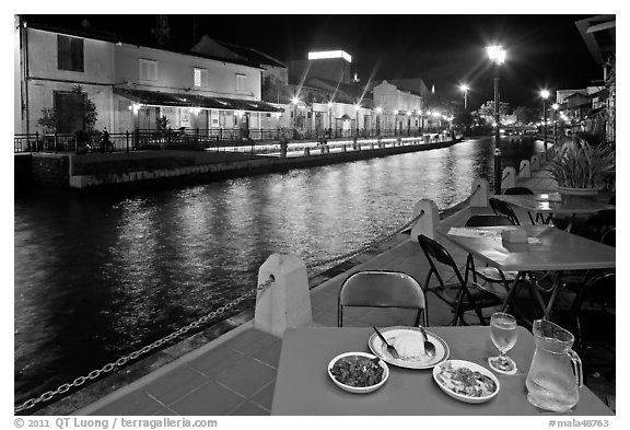 Riverside dining. Malacca City, Malaysia (black and white)