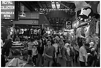 Bugis Flee market. Singapore (black and white)