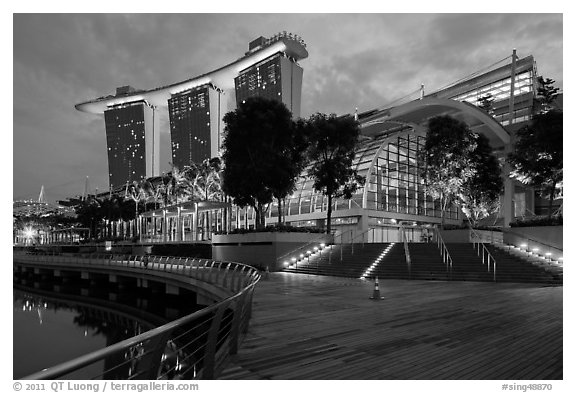 Marina Bay Sands shoppes and hotel, twilight. Singapore
