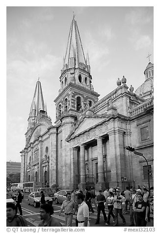 Street crossing and Cathedral, late afternoon. Guadalajara, Jalisco, Mexico (black and white)