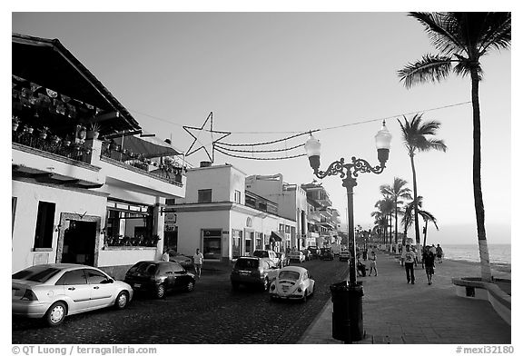 Seaside walkway called the Malecon, Puerto Vallarta, Jalisco. Jalisco, Mexico (black and white)